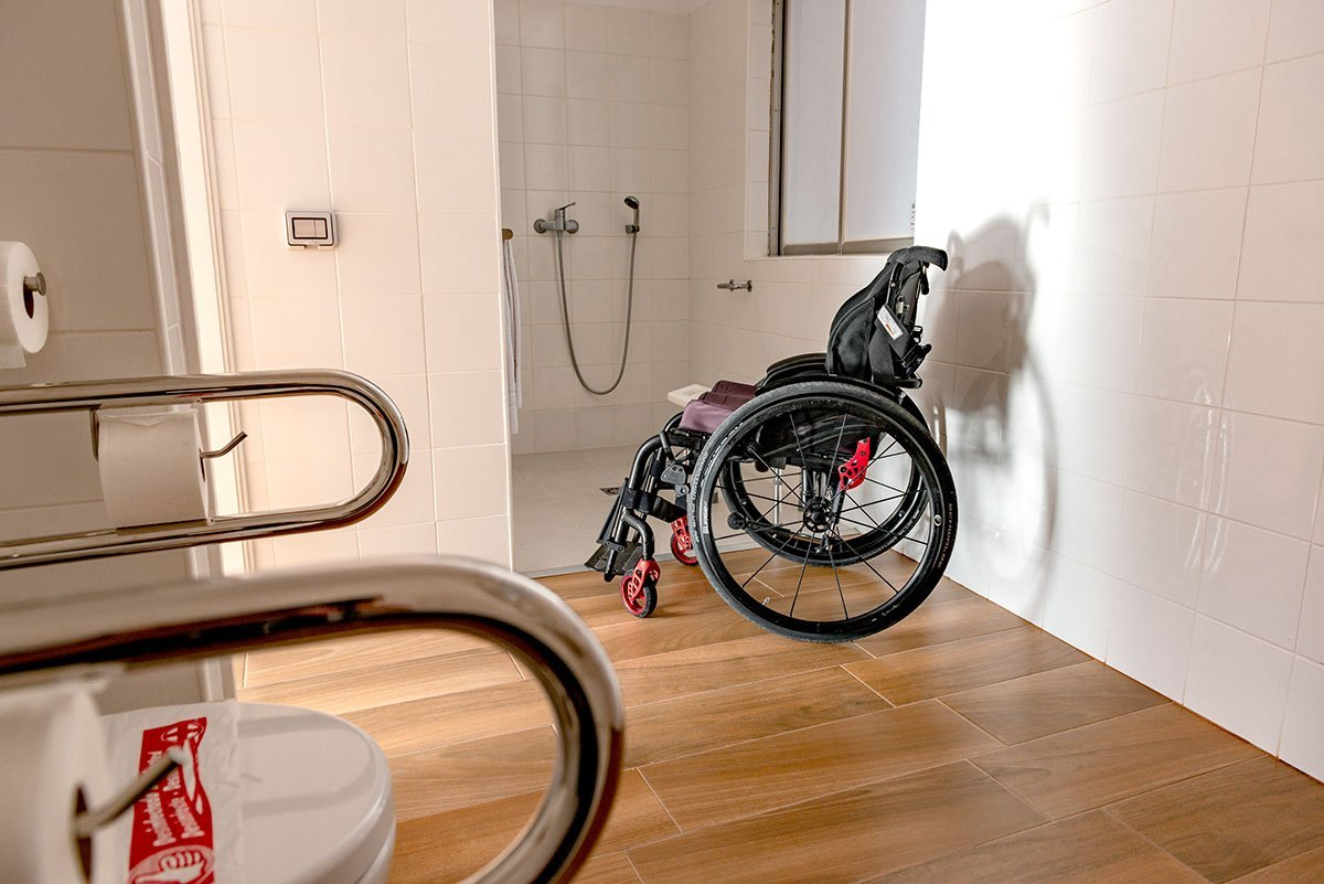 Wheelchair-accessible-bahroom-grab-bars-roll-in-shower-Route-Active-Hotel-Tenerife-Little-Miss-Turtle-Wheelchair-Travel-Blog