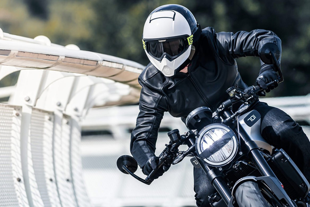 Best-Full-Face-Motorcycle-Helmets-0-Hero (1)